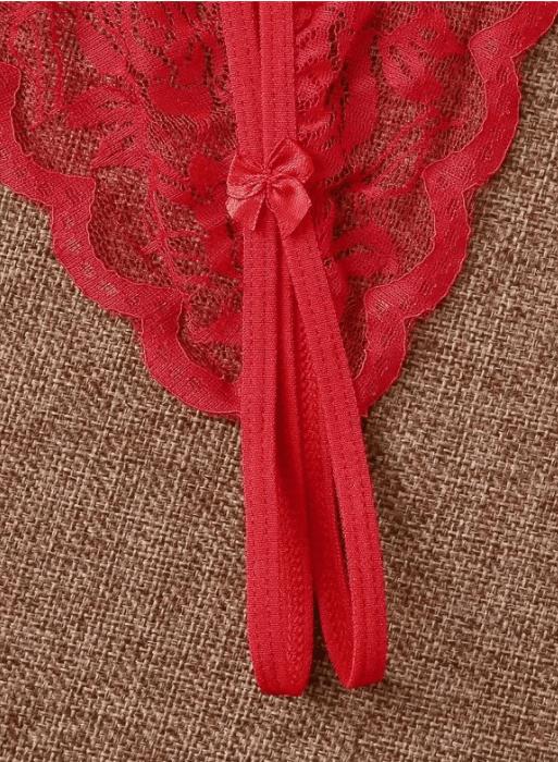 tanga de encaje en color rojo
